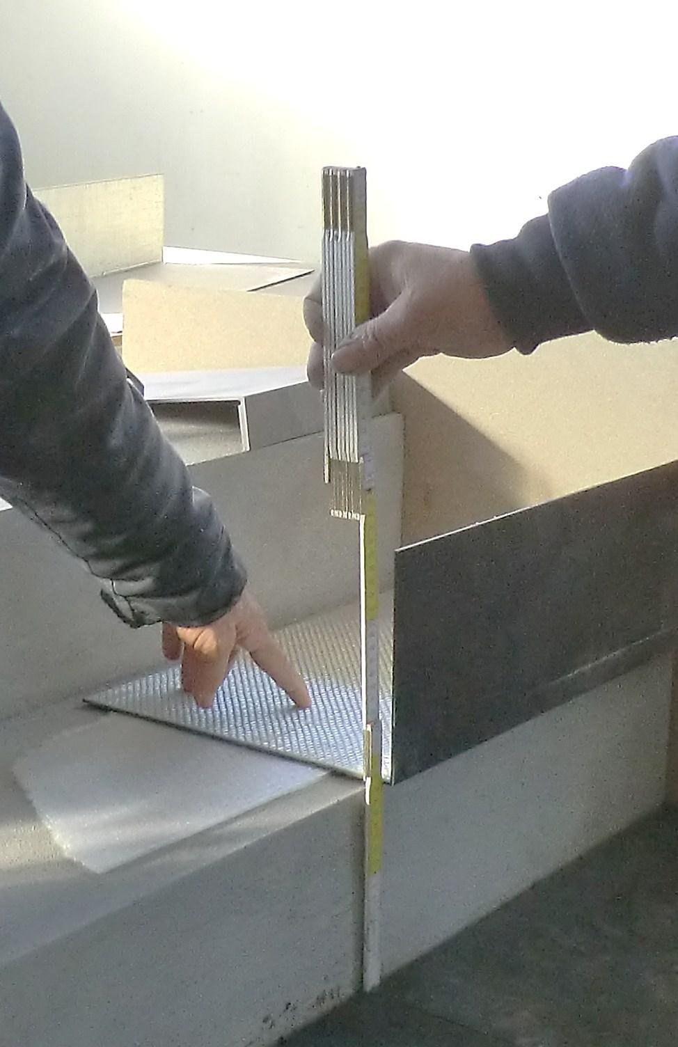 Gradini in gres laminato taglio a misura in cantiere for Gradini in gres