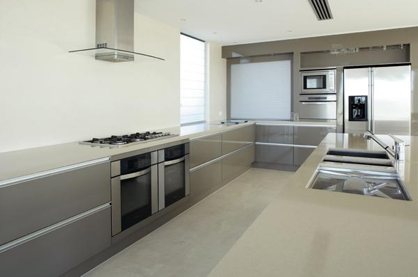 kitchen top in porcelain stoneware laminate