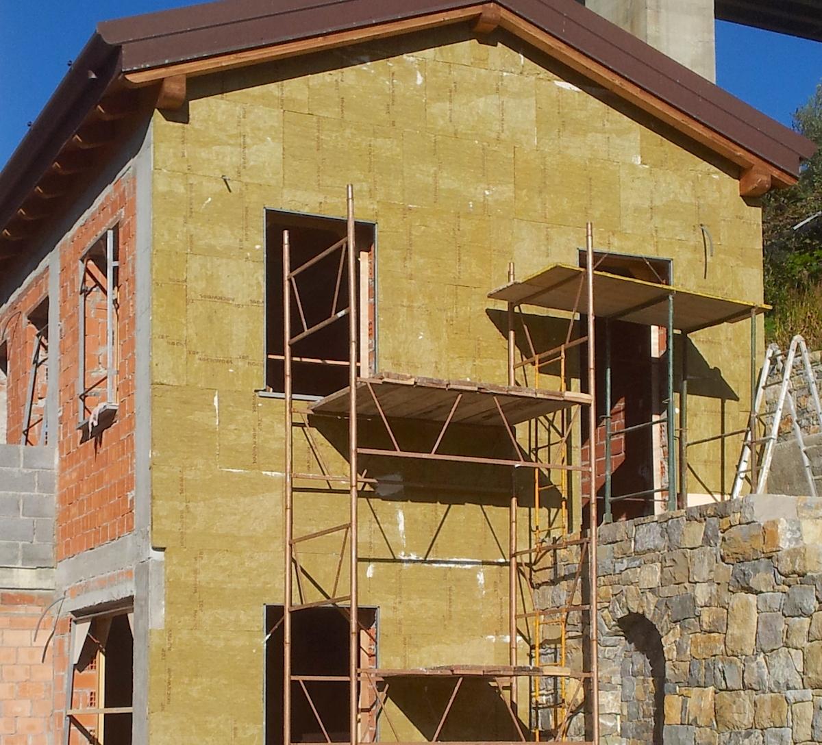Cappotto termico esterno e gres laminato giorgio ilari for Opzioni materiale esterno casa